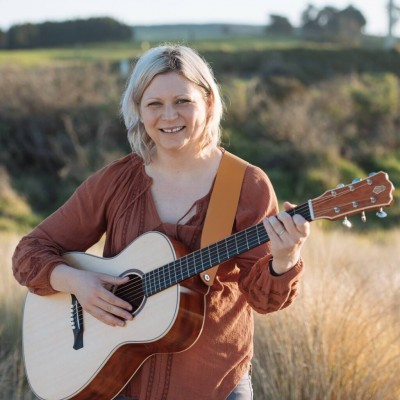 March 12 – Ronel Hunter Singer/Songwriter